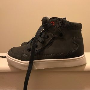 NWT Art Class fashion high top with side zip